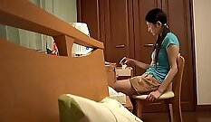 Curvy stepdaughter throats his dick