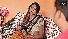 INDIAN HOUSEWIFE - GILF DISPLAY