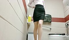 Classy office whore uses her luscious body to please her boss