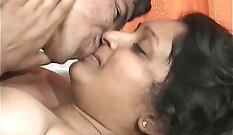 Chubby Girlfriend Makes Sex On The Kissing