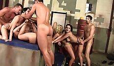 Debi Harper Cassandra Maddon: Anna Kylies Gang Bang Outta The Bath
