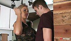 Bigman Nicole seduces sons buddy Andrews
