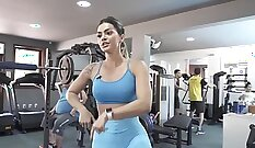 Alysa stunning newbie showing off her pussy and ass at the gym