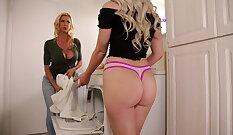 Blonde Sluts Surfer Pile Quicksack