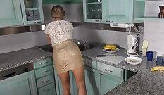 Bella Bennett Cops In Her Callgirl In Kitchen Casting Couch Diane Dalessandro
